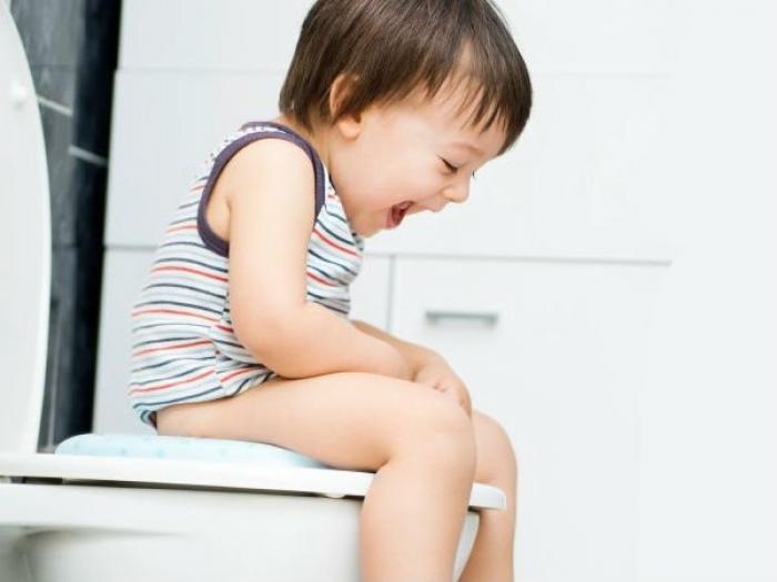 Trẻ uống sữa Pediasure có bị táo bón không?