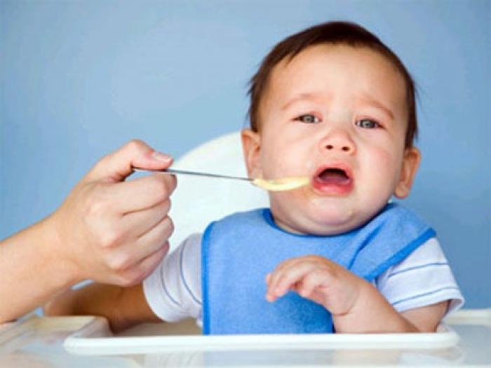 Những điều nên làm và không nên làm khi trẻ biếng ăn